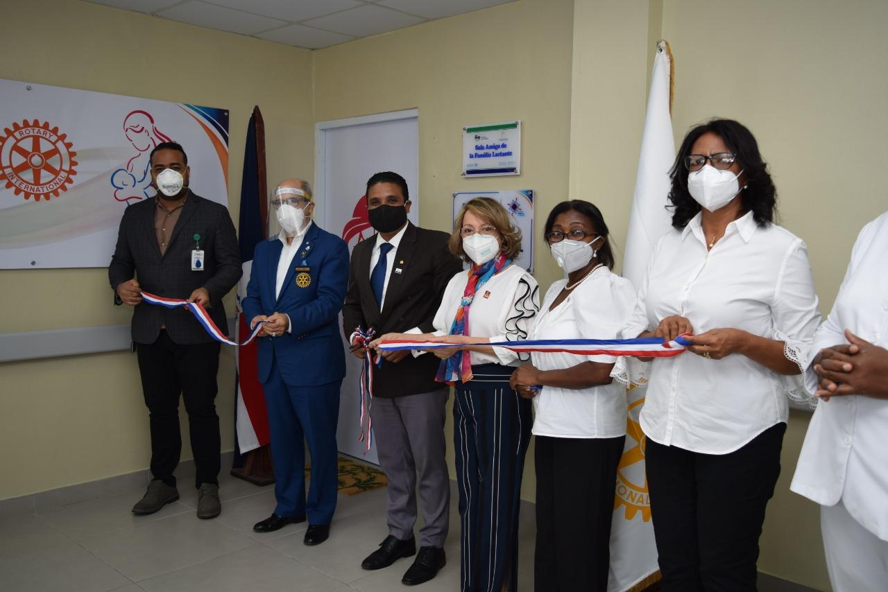 Inauguran la primera sala de lactancia materna en el Hospital Regional Juan Pablo Pina